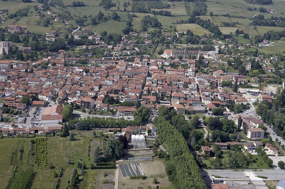 Visit la c te saint andr terres de berlioz for Piscine la cote st andre